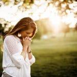 Como orar por um relacionamento