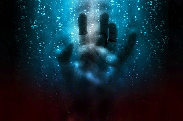 Sonhar com espíritos te atacando o que significa